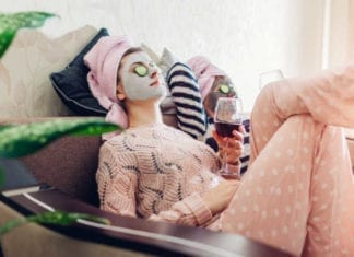 Self care for moms is an important part of thriving in motherhood. You have to take time to pamper yourself and find self care ideas wherever you can. This funny post shows that you can practice self care even when you're broke. #momlife #filterfreeparents #motherhood #selfcareideas