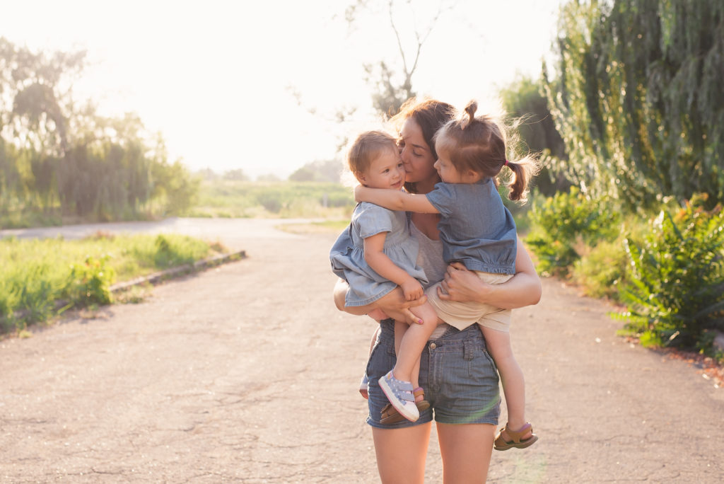Everyone wants a mom friend that loves her kids like she does. For the friend that loves my kids as much as her own, I appreciate you. #momlife #friendship #filterfreeparents #momfriends