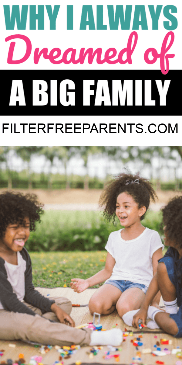 There are blessings of having a big family. Everyone wants to know what it's really like. Here's why I always dreamed of having a lot of kids wen we were doing our family planning. #bigfamily #familyphoto #filterfreeparents